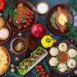 Новогодние рецепты: пикантный салат, вкусное мясо, праздничный десерт