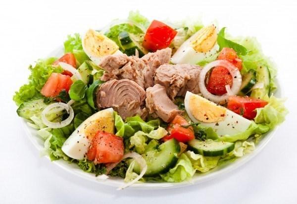 Оригинальные рецепты вкусных салатов с тунцом